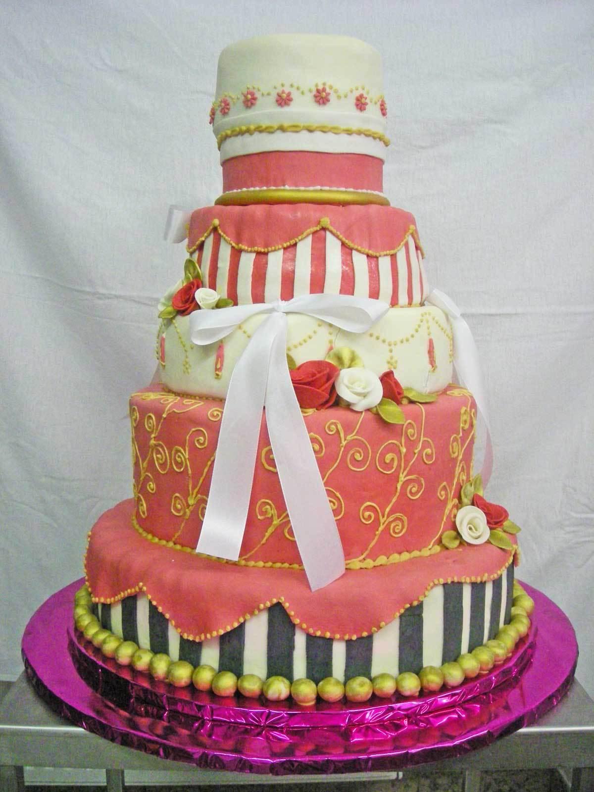 Hochzeits-Torte Pink & Kreativ auf Ja.de