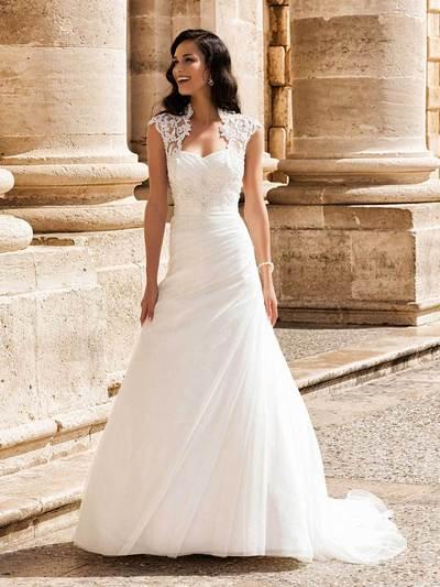 Erfreut Aktuelle Brautkleider Ideen - Kleider und Blumen - babytop.info