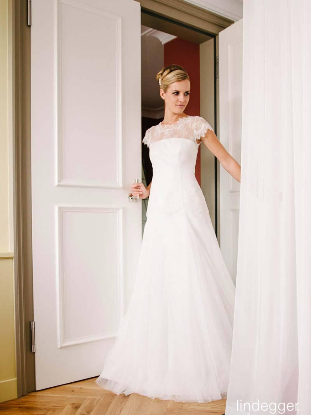 Beste Was Ist Ein Treiben Auf Einem Hochzeitskleid Fotos ...