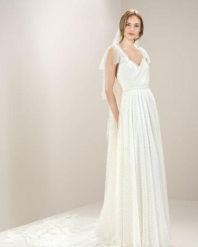 Brautkleid 8008 von Jesus Peiro