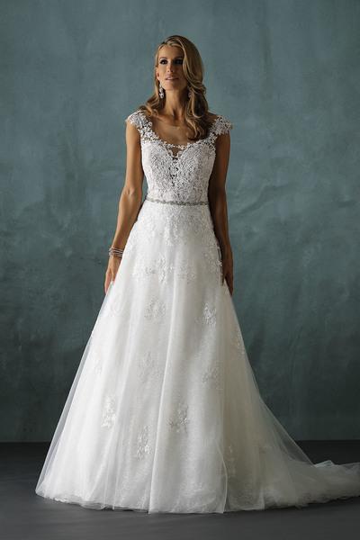 Brautkleid 8210 von Pure