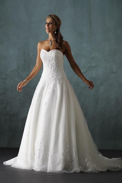 Brautkleid 9939 von Pure