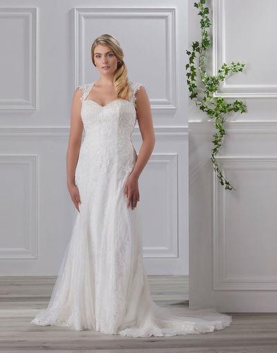 Brautkleid 8260 von Très Chic