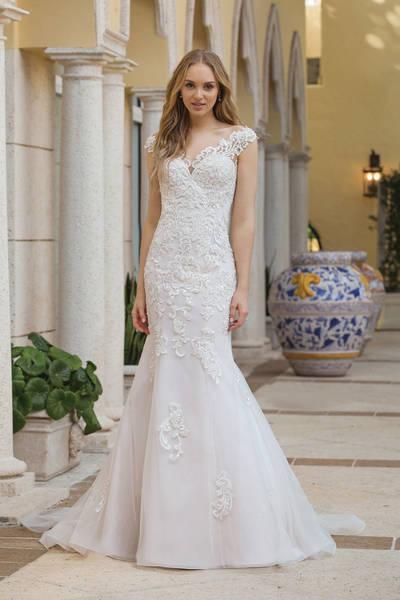 Brautkleid 44100 von Sincerity