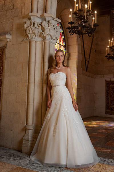 Brautkleid B1909 von Amera Vera
