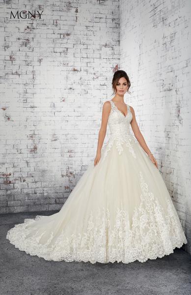 Brautkleid 51416 von MGNY