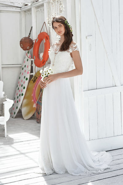 Brautkleid 66037 von Lilian West