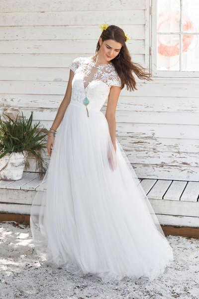 Brautkleid 66038 von Lilian West