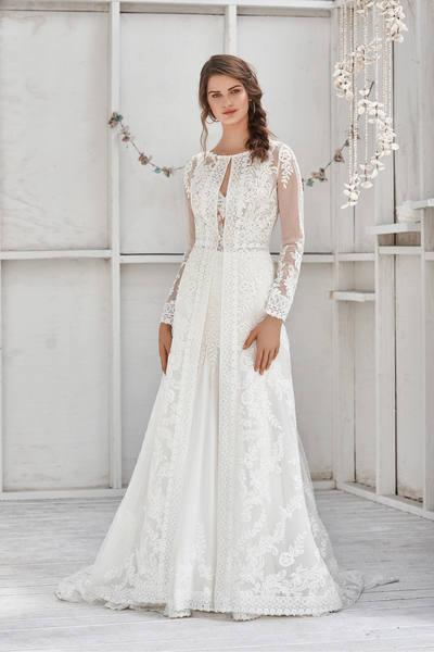 Brautkleid 66040 von Lilian West