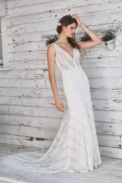Brautkleid 66049 von Lilian West