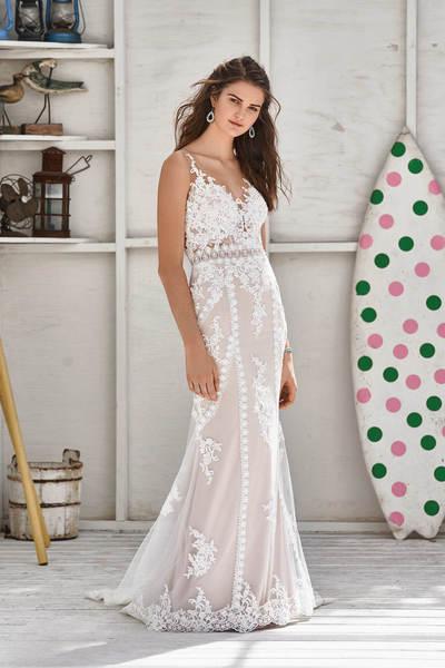 Brautkleid 66052 von Lilian West