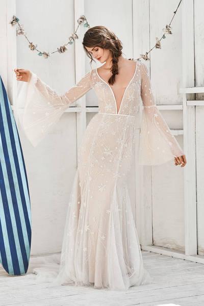 Brautkleid 66057 von Lilian West