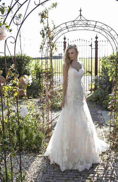 Brautkleid Modeca 2019 Deborah von Modeca