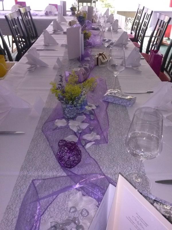 Verkaufe Hochzeitsdeko in grau-lila (neuwertig, manches noch ...