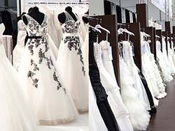 Schwarz-Weiße Brautkleid-Trends von Modeca und Weise