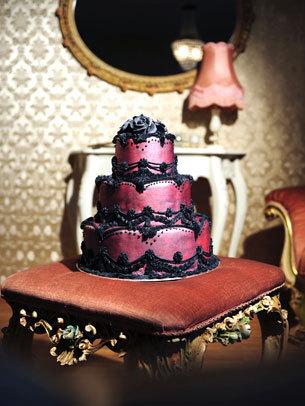 Hochzeits-Torte Schwarz-Rot-Gothic auf Ja.de