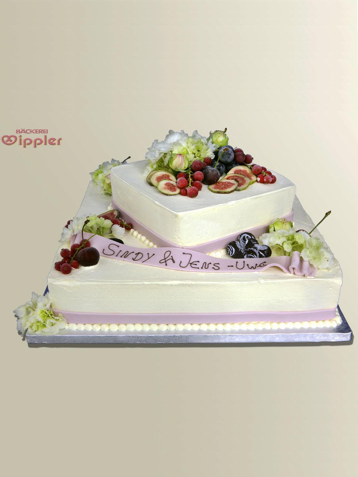 Hochzeits Torte Eistorte Mit Beeren Auf Ja De