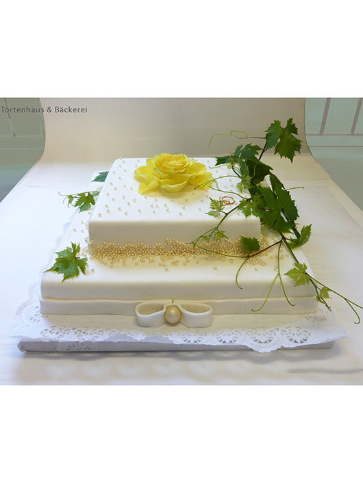 Hochzeits Torte Weinranke Auf Ja De