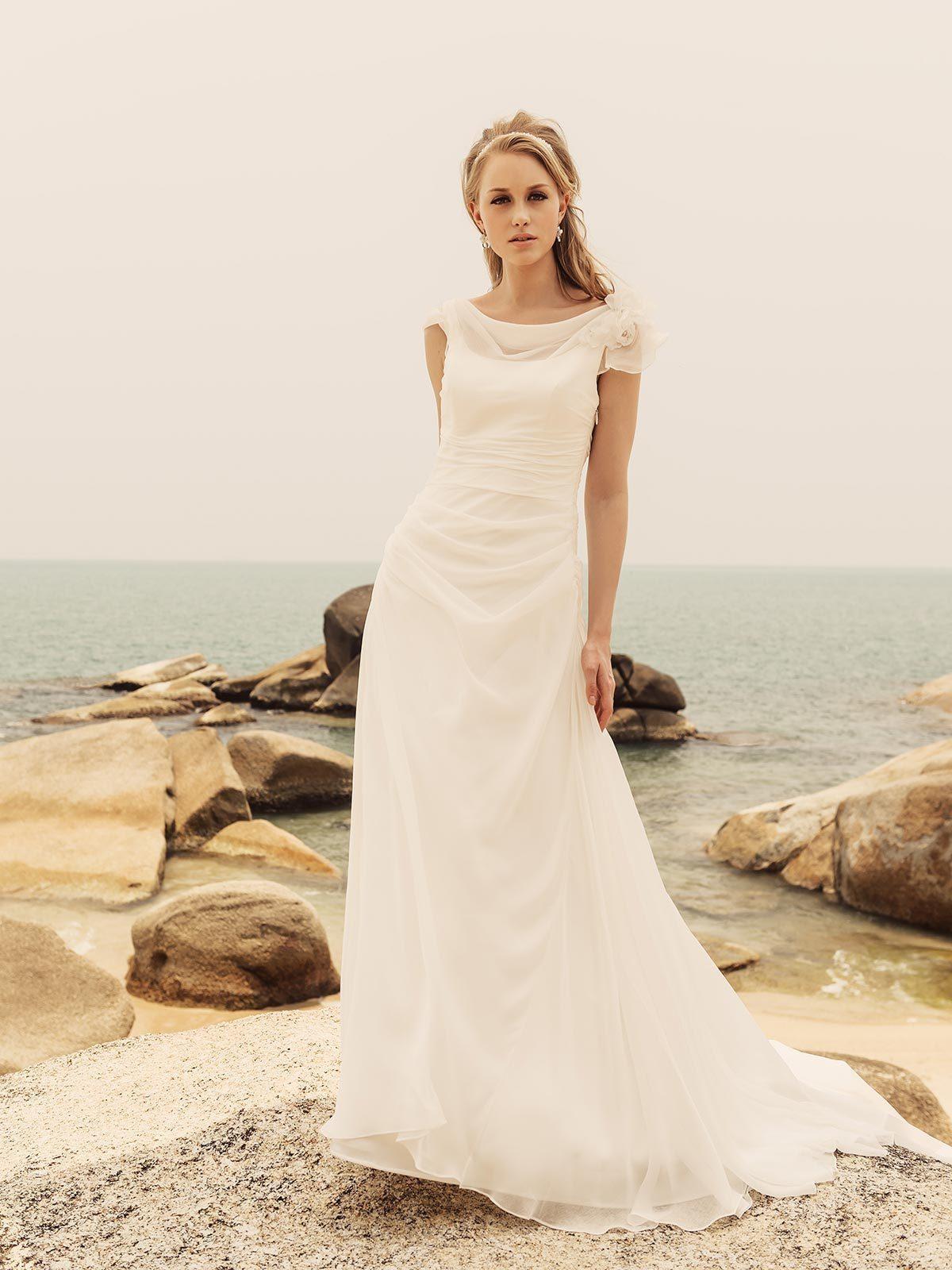 Brautkleid Elektra von Rembo Styling auf Ja.de