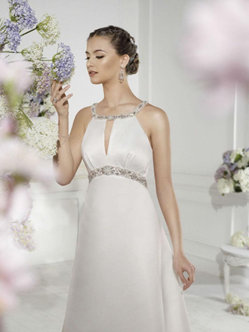 Berühmt Latina Brautkleider Bilder - Hochzeit Kleid Stile Ideen ...