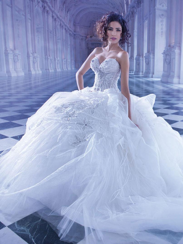 Brautkleid Style No. 2870 von Demetrios auf Ja.de