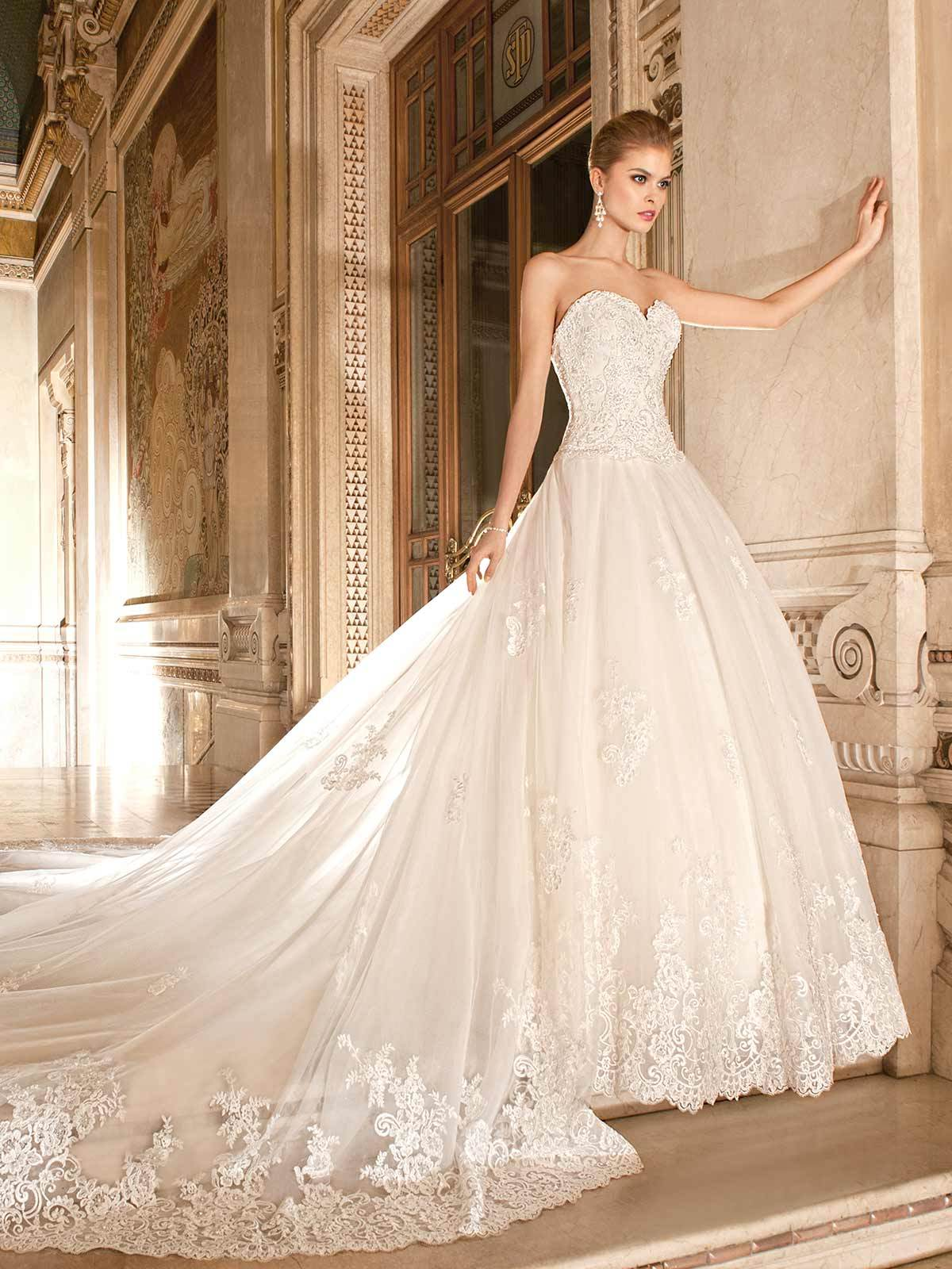 Brautkleid 4330 von Demetrios auf Ja.de