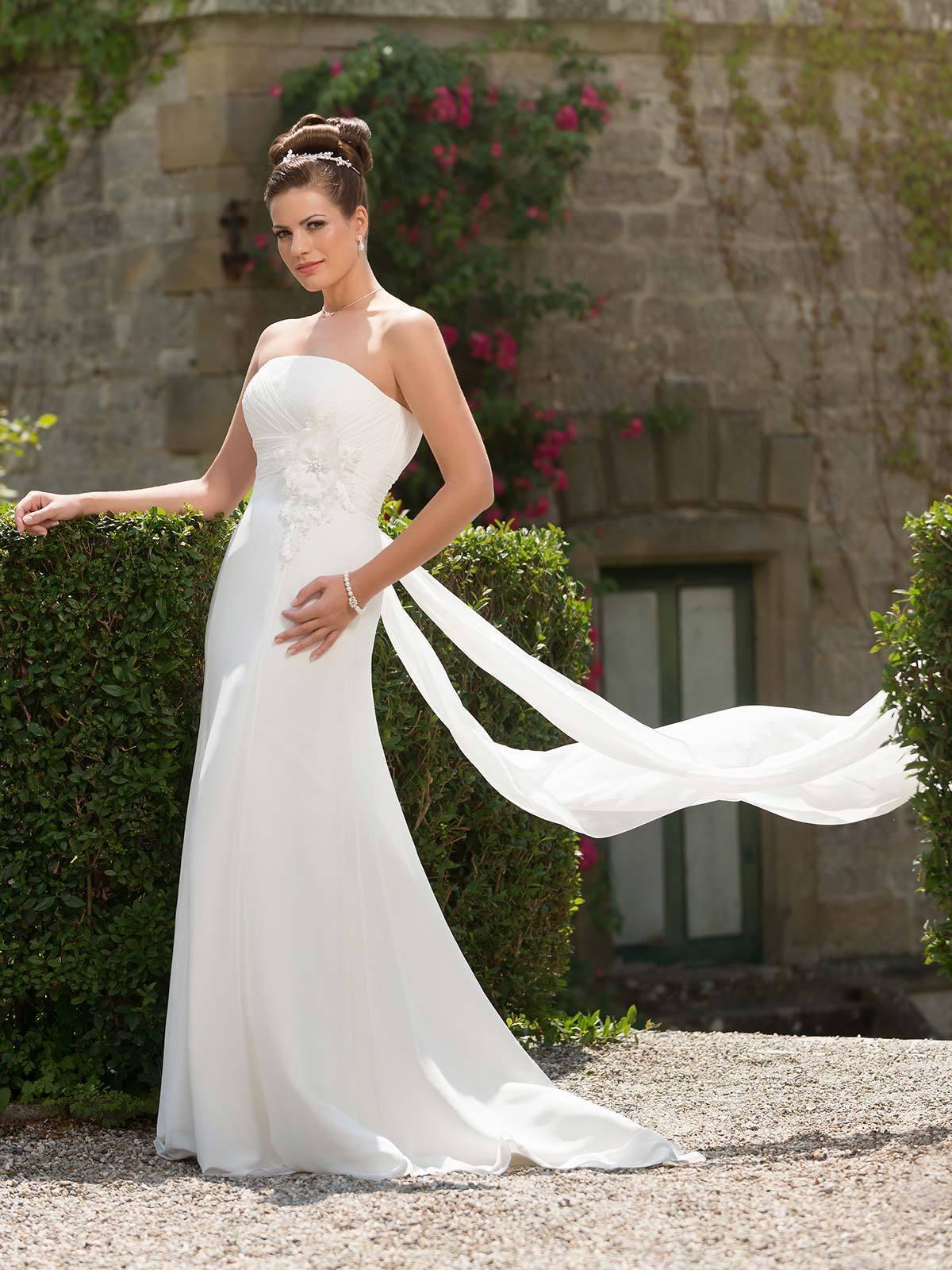 Brautkleid 32.915.2 von Weise auf Ja.de