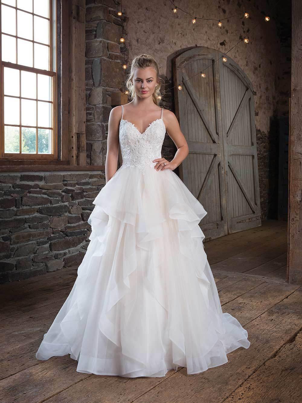 Brautkleid 1123 von Sweetheart auf Ja.de
